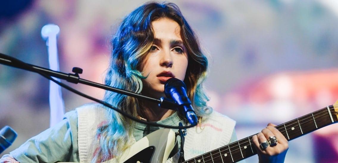 blouse song review by clairo chordsworld
